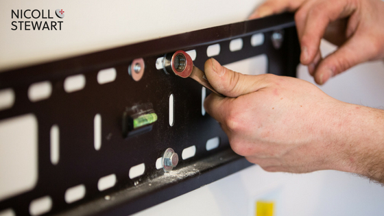wall-mounted-tv-bracket
